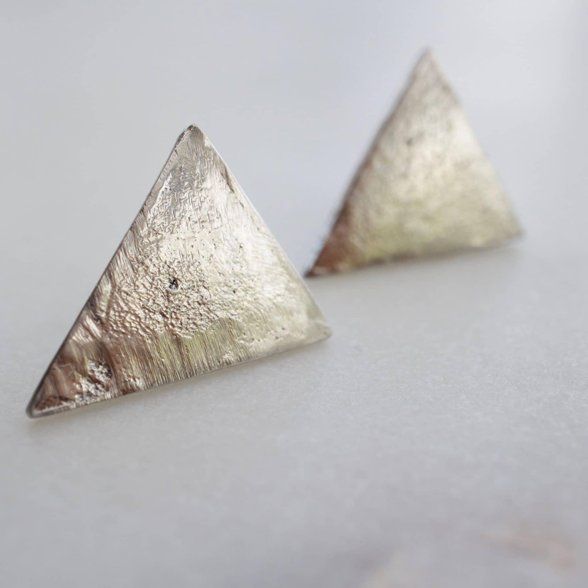Paire de boucles d'oreille pic en métal recyclé